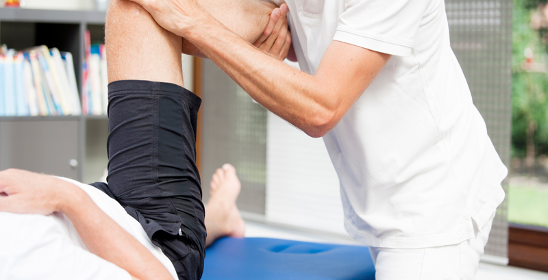 How can physiotherapy help in treating Arthritis?